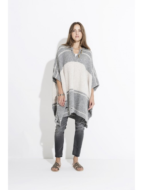 PONCHO SPLIT NECK